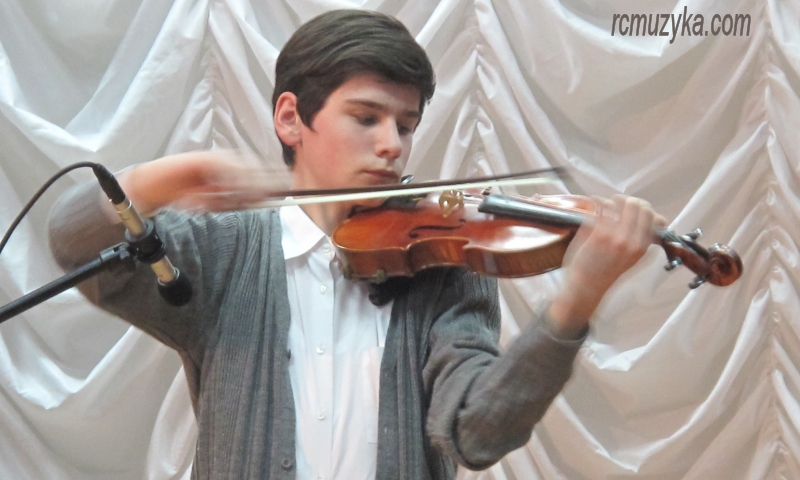 А скрипка пела о любви