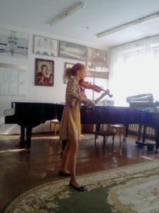 У нас в гостях эстрадная скрипка