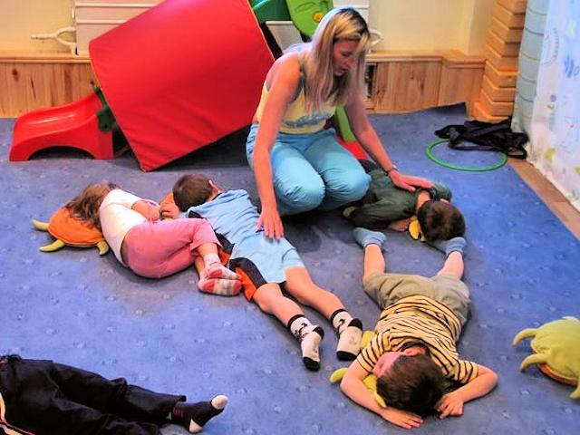 Упражнения для снятия утомления с туловища и ног