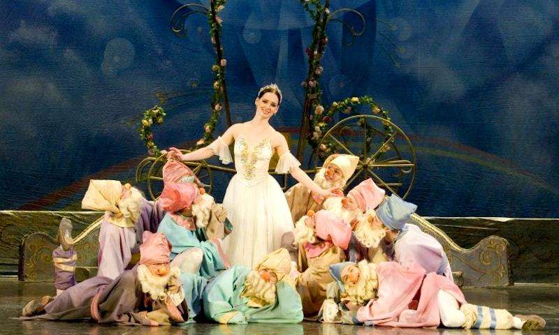 Сцена из балета С. Прокофьева Золушка