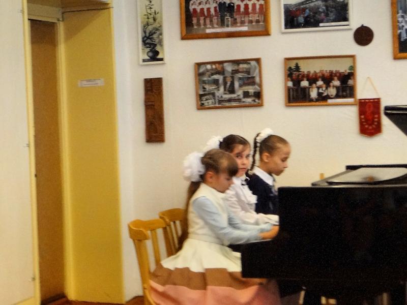 Концерт фортепианных ансамблей - трио