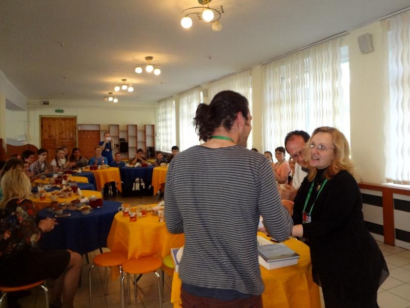 Награждение участников встречи - Януш Хорвиц