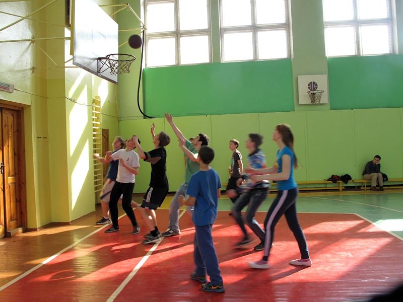 Спортивные игры - победила дружба