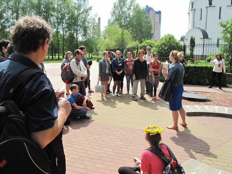 У памятника жертвам Чернобыля