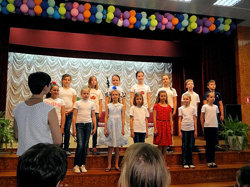 Хор - отчетный концерт летнего лагеря 2016-06-23