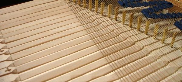 Клавикорд - система струн