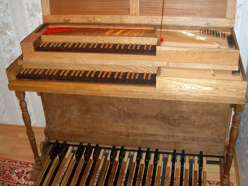 Клавикорд с педальной клавиатурой