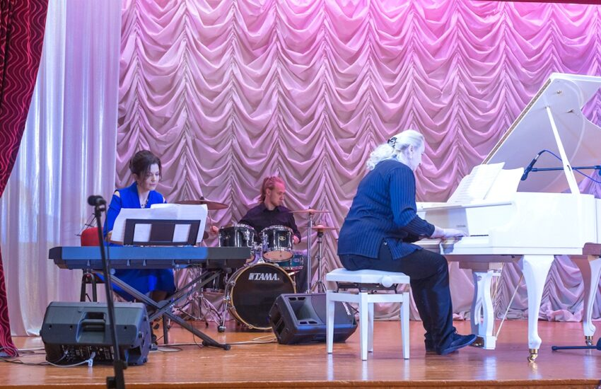 Новый фортепианный дуэт С. Кузнецовой