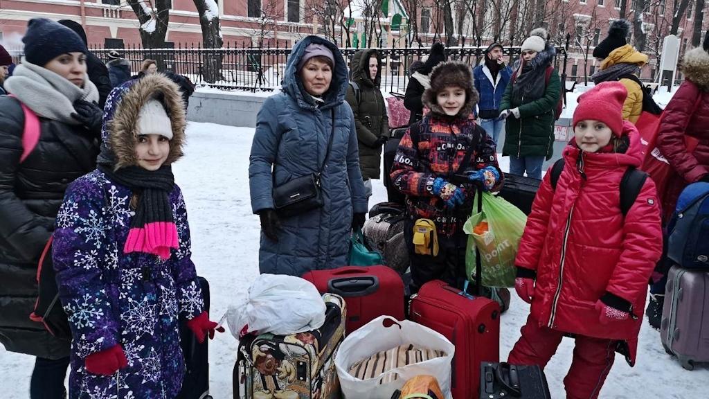 Прибыли в Петербург