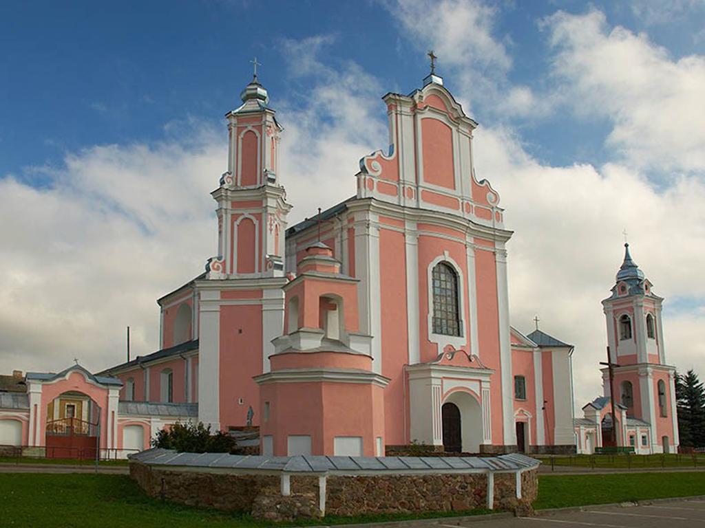 Униатский монастырь Петра и Павла -Баруны