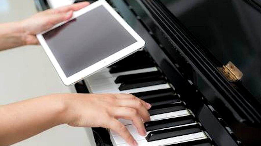 И. Венская: Специальное фортепиано — дистанционно? Почему бы и нет?!